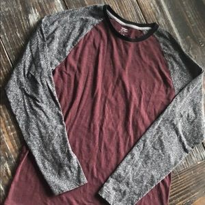 Old Navy Shirts - Old navy raglan shirt Sz M. Euc